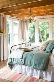 Hgtv Bedroom Makeovers - best 25 magnolia homes ideas on pinterest magnolia hgtv