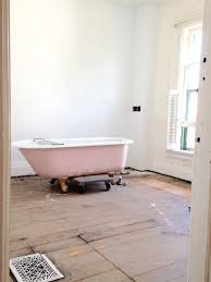 How To Refinish A Clawfoot Bathtub How To Sandblast U0026 Refinish A Vintage Clawfoot Tub Apartment Therapy