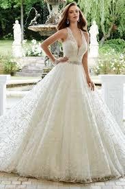 Princess Wedding Dresses Court Train Sleeveless Princess V Neck Diamond Lace Princess