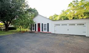 Magnolia Real Estate Waco Tx by Waco Celeb Couple U0026 Magnolia Owners Buy Gorgeous Old Home Cw33