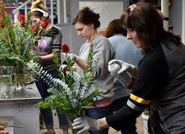 local florist local florist prepares for s day the echo