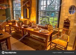 cuisine historique table de cuisine historique dans immeuble ancien néerlandais