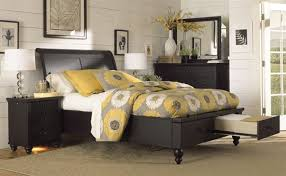 black bedroom sets queen cambridge black queen drawer bedroom set by aspen furniture