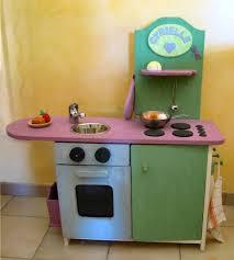 fabriquer cuisine enfant fabriquer une cuisine en bois pour enfant