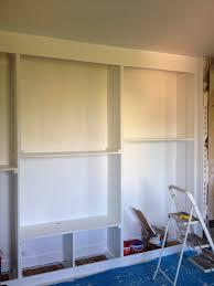 comment faire un placard dans une chambre chambre faire un placard mural diy un mur de placards la