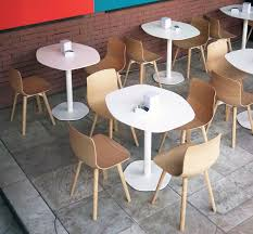 cafe table and chairs loku café table by shin azumi case furniture
