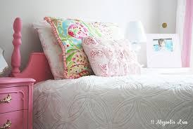 little u0027s room decorated in pink white u0026 gold 11 magnolia lane