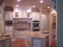Antique White Glazed Kitchen Cabinets Only Then Glazed Cabinets And Faux Finish Wall Make This Kitchen