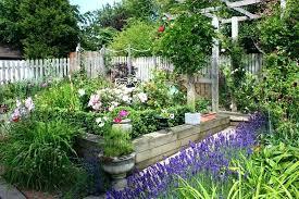 Cottage Garden Layout Beautiful Small Garden Plans Decor Garden Designs For Small
