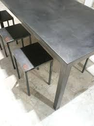 vernis table cuisine table haute en métal patinée cirée verni capucine cassaigne