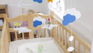 chambre parent bébé quand doit on changer le bébé de chambre bébés et mamans