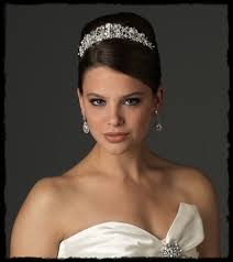 bridal tiara what of brides wear bridal tiaras usabride