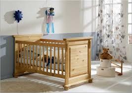 babyzimmer landhaus klassisch babybett in landhaus design aus kiefer massivholz für