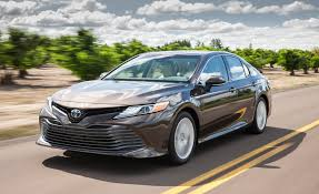 2018 toyota camry pictures photo gallery car and driver