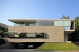 cantilever homes luxurious modern mansion with huge cantilever in contemporary