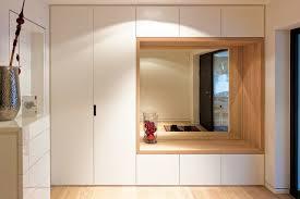 garderobe modern design eingangsbereich mit kombiniertem garderoben sitzmöbel