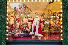 Window Display Christmas Decorations Uk by Selfridges Unveils Christmas Windows 66 Days In Advance Retail