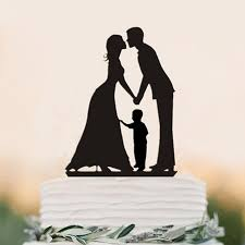wedding topper family silhouette and groom wtih a boy wedding cake