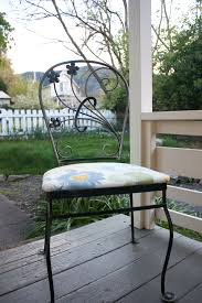 Reupholster Patio Furniture Cushions by Seat Cushion Reupholster Tutorial My Crafty Spot When Life