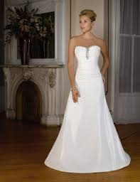strapless wedding gowns why strapless bridal gowns require lots of boning for comfort