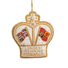 reigning monarch crown tree decoration