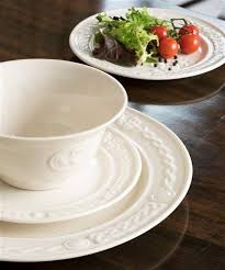 plates trays dishes belleek claddagh dinner plate