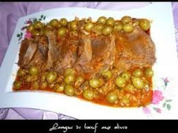 comment cuisiner une langue de boeuf langue de boeuf aux olives a l algerienne recette ptitchef