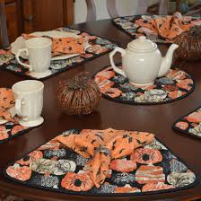 quilted placemats for round tables quilted french halloween wedge shaped round table placemats at