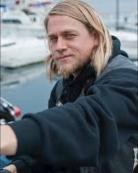 jaxs hairstyle 502 best charlie hunnam images on pinterest charlie hunnam
