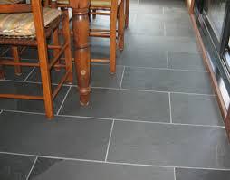 plancher cuisine plancher de vinyle de cuisine poser un plancher sain écologique et