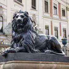 lion statue bronze lion sculpture