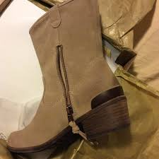 ugg jaspan sale 53 ugg shoes sale nib ugg boots briar from tracy s