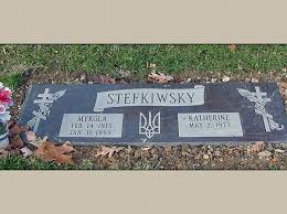 Flat Headstones With Vase Best 25 Headstones For Graves Ideas On Pinterest Memorial