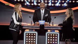 celebrity family feud u0027 kicks off with battle between amy schumer
