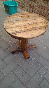 Making A Wood Plank Table Top by Diy Pedestal Pallet Round Coffee Table 99 Pallets