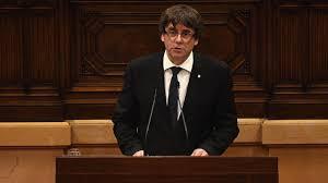 katalonien puigdemont schiebt unabhängigkeitserklärung auf zeit