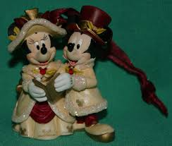 disney parks mickey minnie caroling collectible