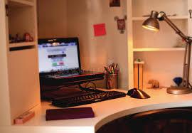 images pour bureau d ordinateur bureau d ordinateur dans la chambre d enfants image stock image du