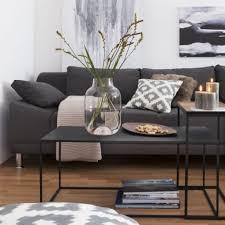 Wohnzimmerwand Braun Gemütliche Innenarchitektur Farbkonzept Wohnzimmer Braun Teppich