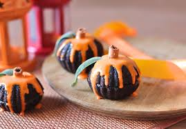 pumpkin cakes halloween eggless chocolate pumpkin mini cakes pretty little things