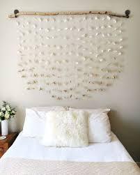 deco chambre a faire soi meme tete de lit a faire soi meme bois flotté et guirlandes de papier