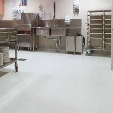 revetement sol cuisine professionnelle revêtement de sol antidérapant pour cuisines collectives tarasafe