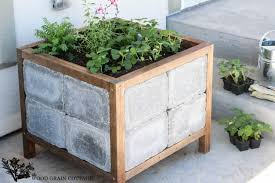 How To Build A Planter by Diy Paver Planter The Wood Grain Cottage