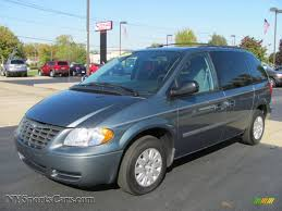 2005 chrysler town u0026 country lx in magnesium pearl 330673