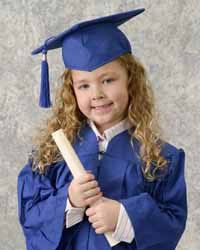 kindergarten cap and gown 21 best kindergarten graduation images on senior