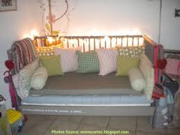 lit transformé en canapé faire le relais transformer lit bébé en canapé artsvette