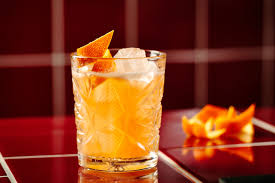 5 of the best bourbon cocktails hero and leander