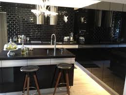 cuisine noir modele de credence pour cuisine 7 osez le noir en cuisine le