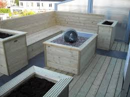 balkon bank balkon inrichting plantenbakken bank waterpartij en led