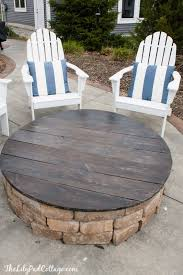 Backyard Patios With Fire Pits by Best 25 Fire Pit Covers Ideas On Pinterest Outdoor Fire Pit